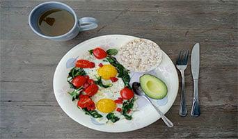 Koolhydraatarm eten ontbijt recepten