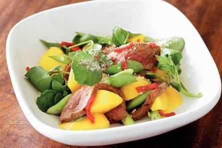 Koolhydraatarme Thaise biefstuk salade