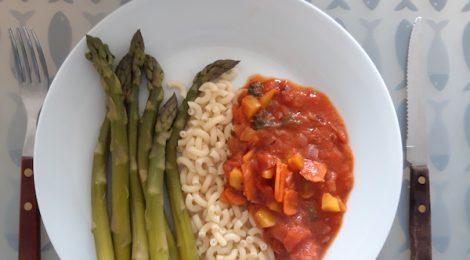 Groene asperges met volkoren pasta